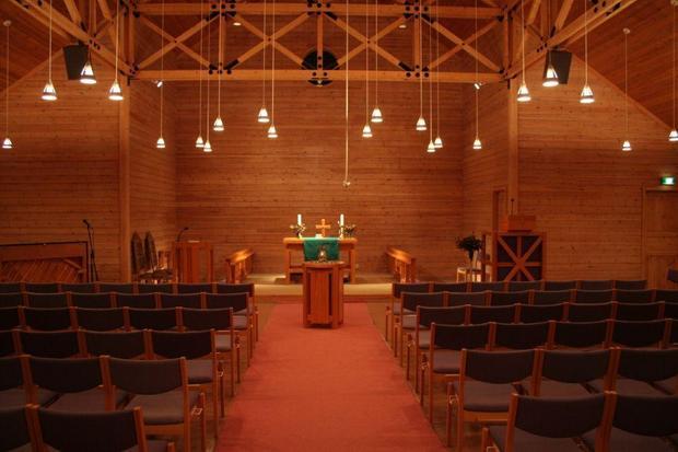 Kirkerommet-fremre.JPG_large.jpg