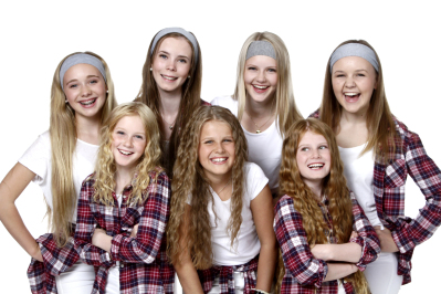 seven jentene.jpg