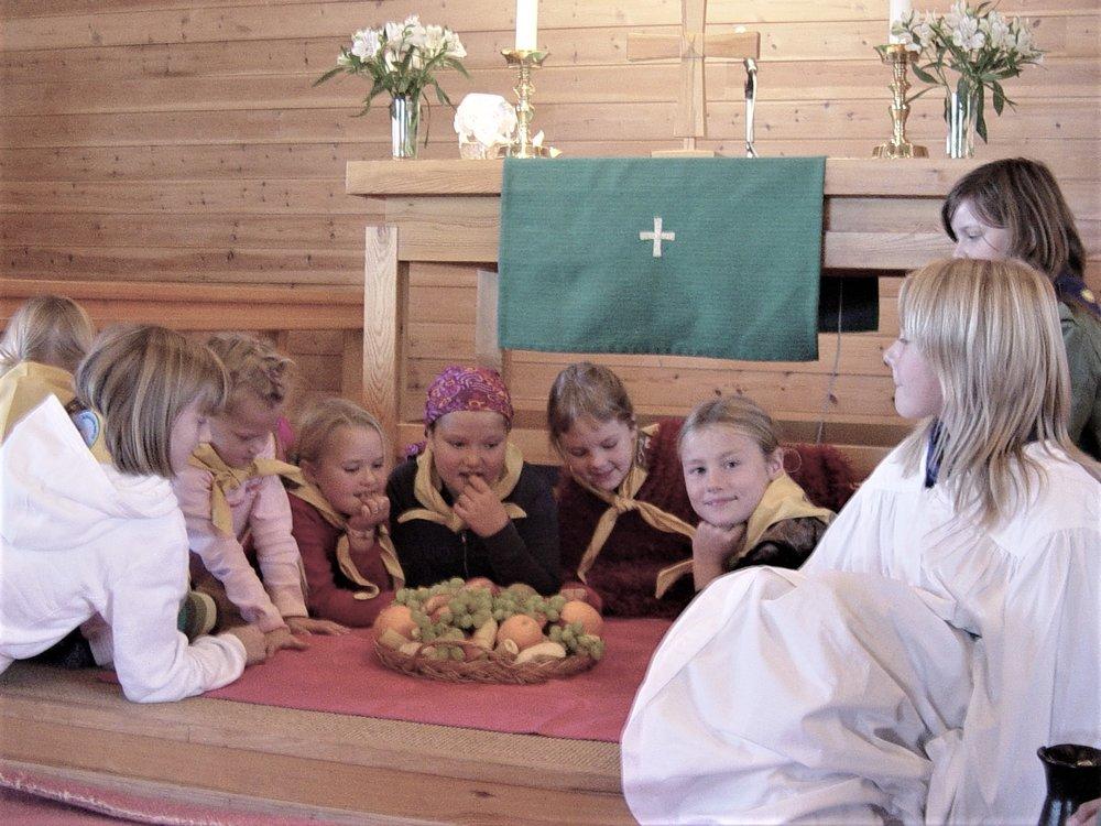 Dramatisering av bibeltekst i Speidargudstenesten 2005.JPG