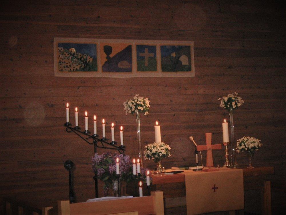 Fogn kyrkje 17. Mai 2007 kopi.jpg