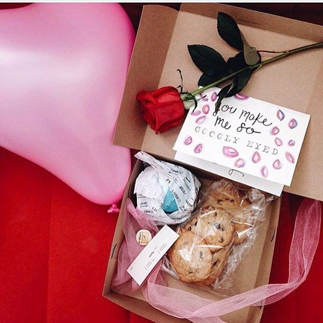 Hi. Guess what? Valentine's boxes are back! A half dozen cookies, a 🌹, handmade card, a LUSH product, a little gifty, and a romantic playlist. Head over to the website to place your order! #thecookiecult