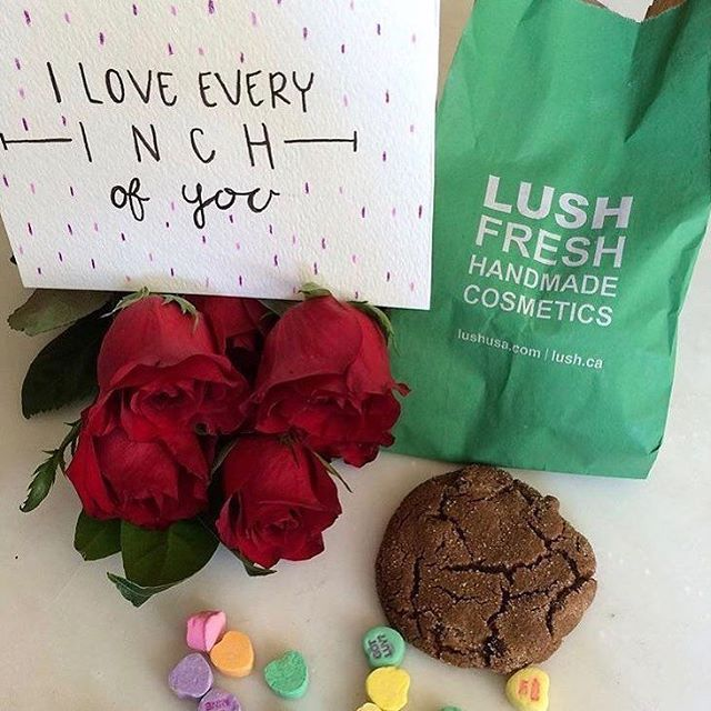 GIVEAWAY! You could win a Valentine's Cookie Box! Fresh cookies, a Lush product, a rose, some Valentine's candies, a handmade card, and a romantic playlist! @ your hunny and your friends for a chance to win. Each tag gets an entry, add it to your story for an extra entry, repost for even more chances to win! You know what to do. Xoxoxo #thecookiecult