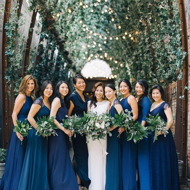 When your squad is 🔥🔥.....and this color blue is just perfection and speaks to my Pisces soul. It's chic, calming, and rich all at once. @jennchewyahn 📷 @joelinny @eapweddings
