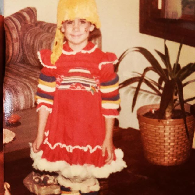 It's Halloweeeeen! Rainbow Brite circa 1985? Shout out to my mom for always indulging my very specific costume requests and of course to @magfeetjrthecolonel for the awesome execution always💕🎃👻
