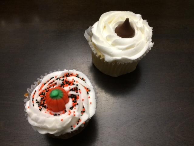 Vanilla Fudge and Halloween Spice Cupcakes!