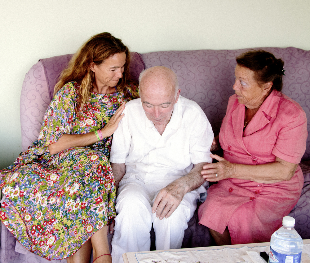 jacques delécluse (center), with his daughter florence and wife danielle in august, 2014 in hyères, france