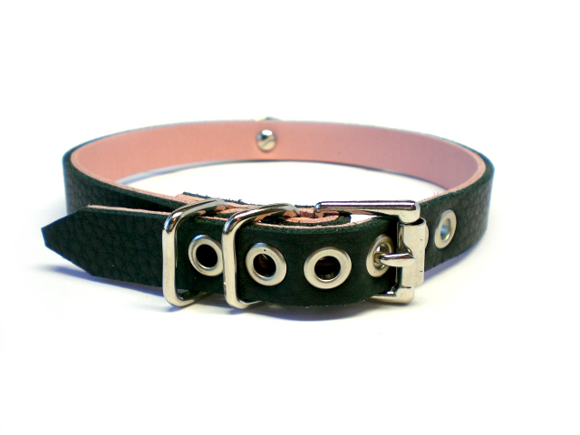 soft black w/pink inlay - buckle view