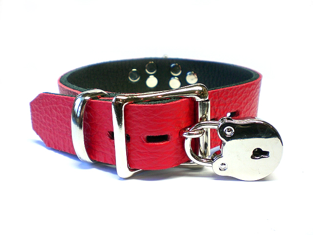 lockable w/padlock - fire red