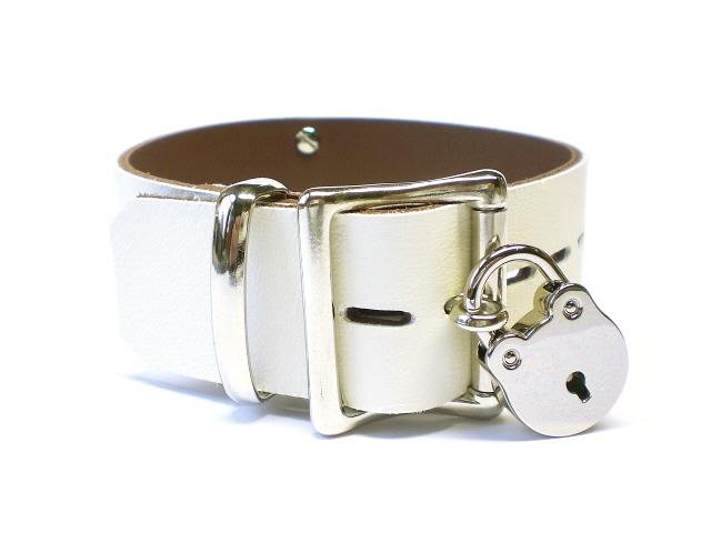 "1-1/2"" standard lockable buckle"