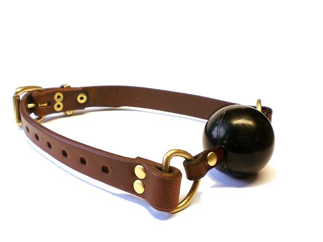 brown bridle - black ball