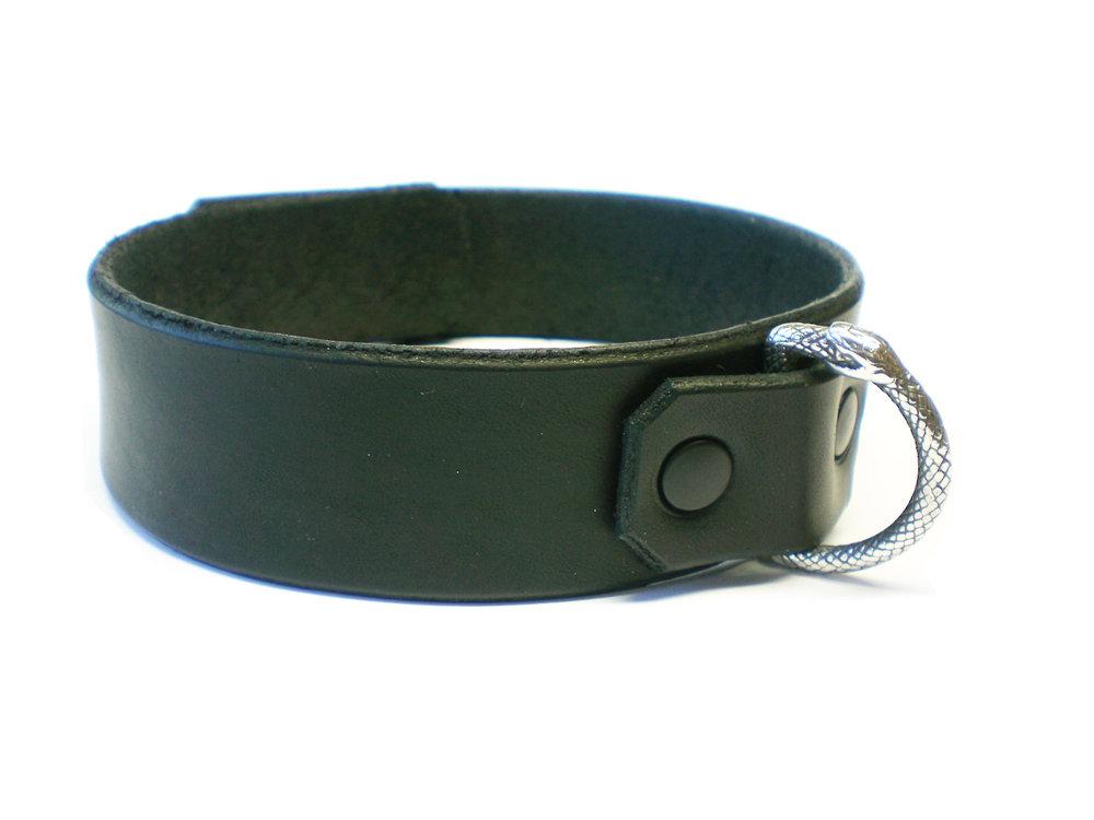 side view - black latigo, black rivets