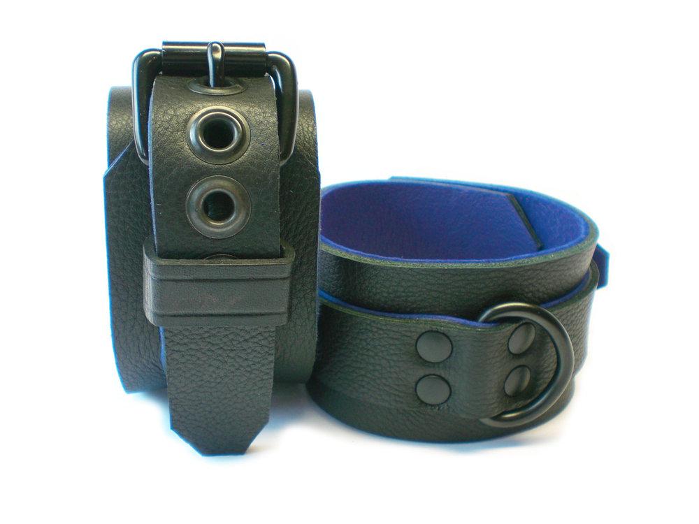 soft black w/blue inlay - dbl-riveted