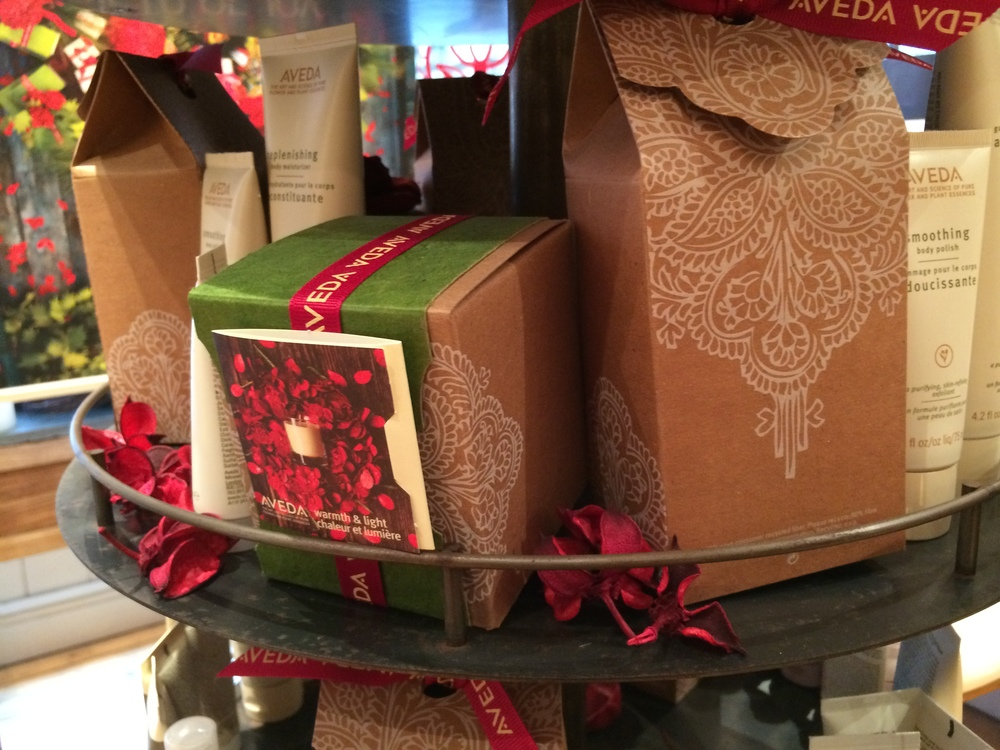 Aveda Christmas gift packaging pattern