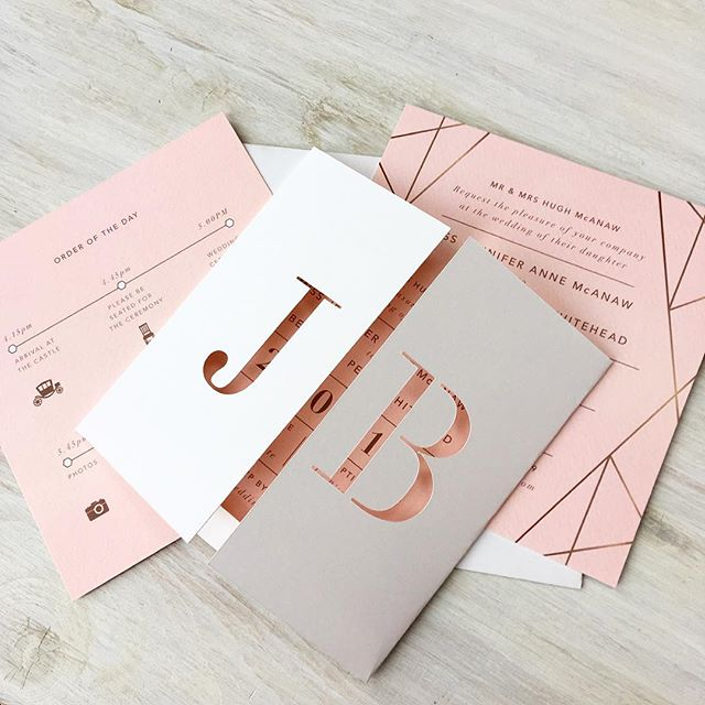 Gorgeous geometric invitations in a simple monogrammed folder for Jenny and Bens's Italian wedding  #weddinginvitations #oxfordshireweddinginvitations #bespokeweddingstationery #oxfordshire