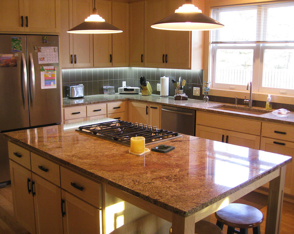 Kitchen - Island Counter.jpg