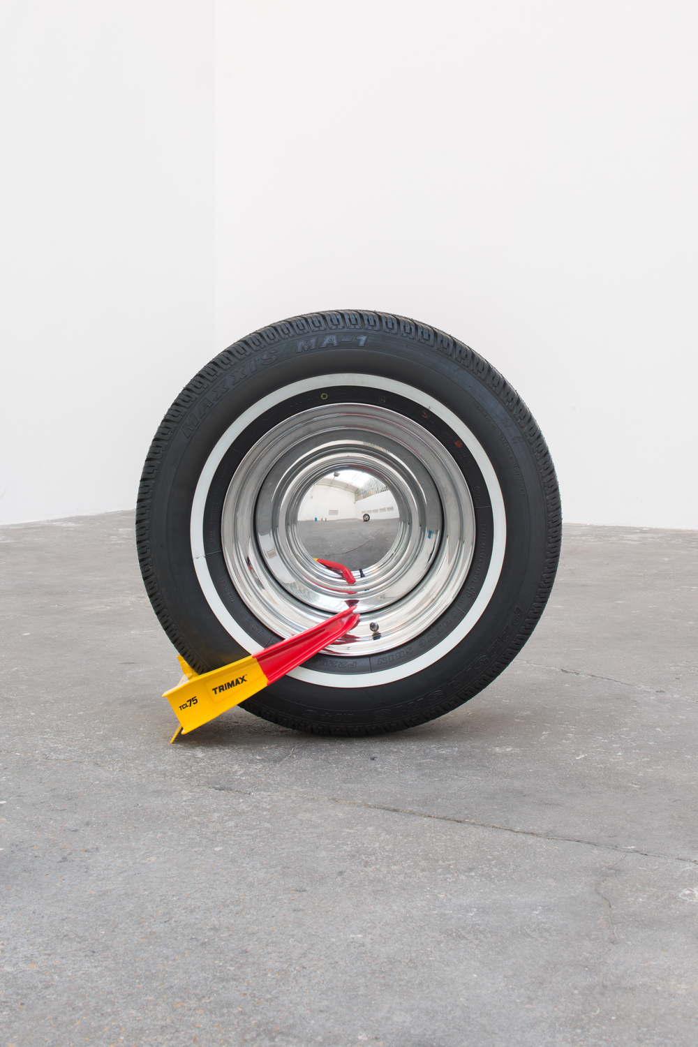 Manny, Moe and Jack (Manny) ,   2014   Rubber, steel Dimensions variable
