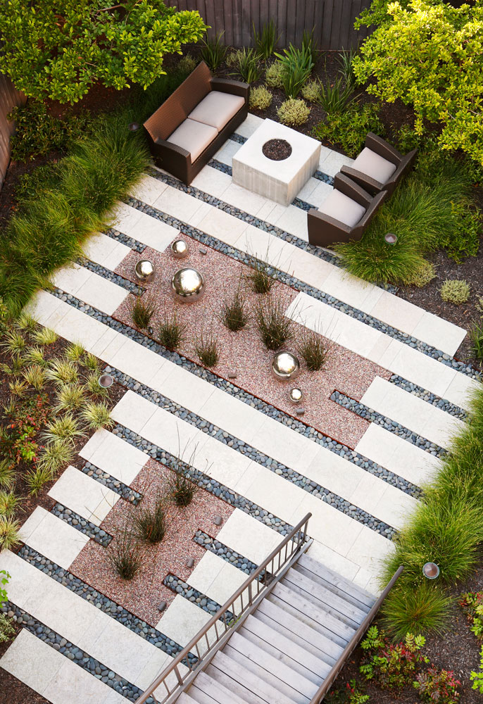 62 Degrees by Arterra Landscape Architects .  Photo by   Michele Lee Willson