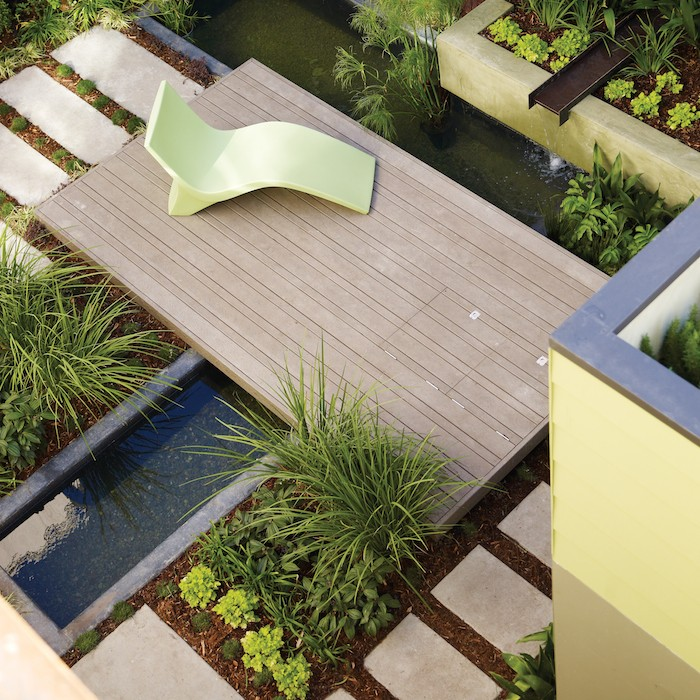 Arterra-Landscapes-Sunset-Garden-Pavers-Gardenista.jpg