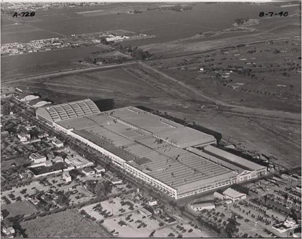 Douglas Aircraft Factory in Santa Monica, circa 1940 | Courtesy of the Santa Monica Public Library Image Archives