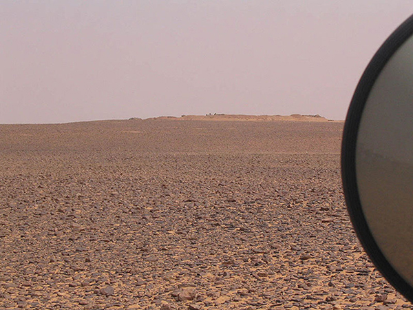 From afar, a view of The Berm in Mahbes, Western Sahara. | Photo courtesy of Wikimedia Commons