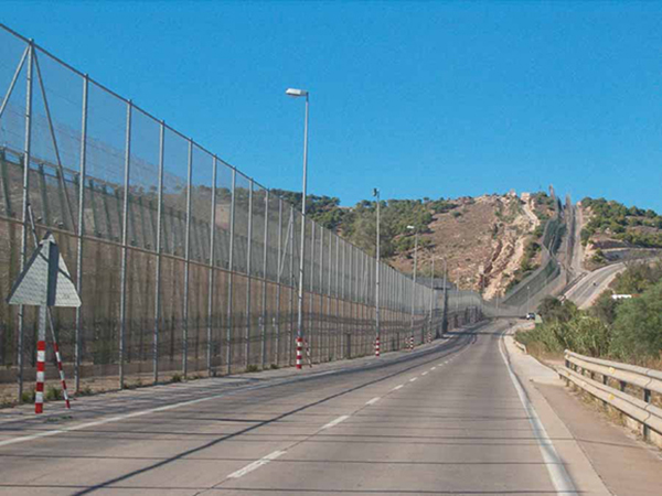 Border Spain-Morocco, by Melilla, August 2008. | Photo courtesy of Ongayo, via Wikimedia Commons