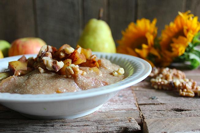 Cinnamon Apple Pear Amaranth Porridge, courtesy of Nutrition Stripped