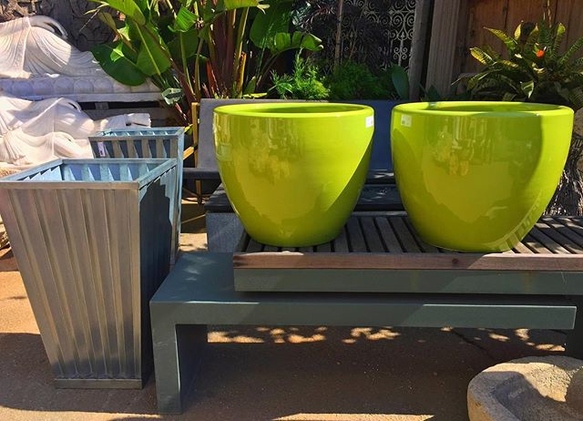 New fab pottery shipment arrives Living Green! #moderndesign #pottery #livinggreendesign #gardenart #sanfrancisco #ceramicsculpture