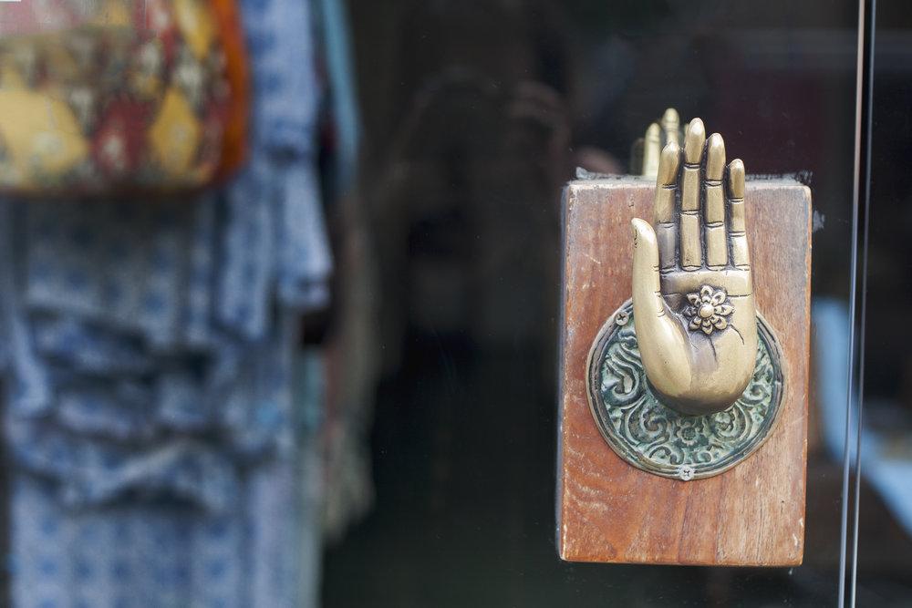hand door.jpg