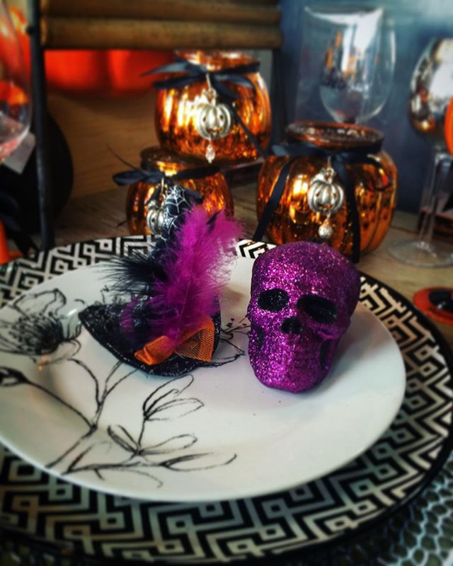 Halloween is next week! Come buy your last minute decorations. All Halloween items are 20% off! #halloween #lagunabeach #pearlst #pearlstgeneral #generalstore #pearlstreetdistrict