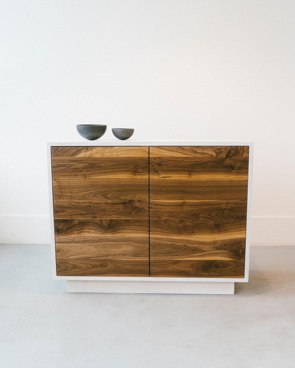 cabinet4-s.jpg