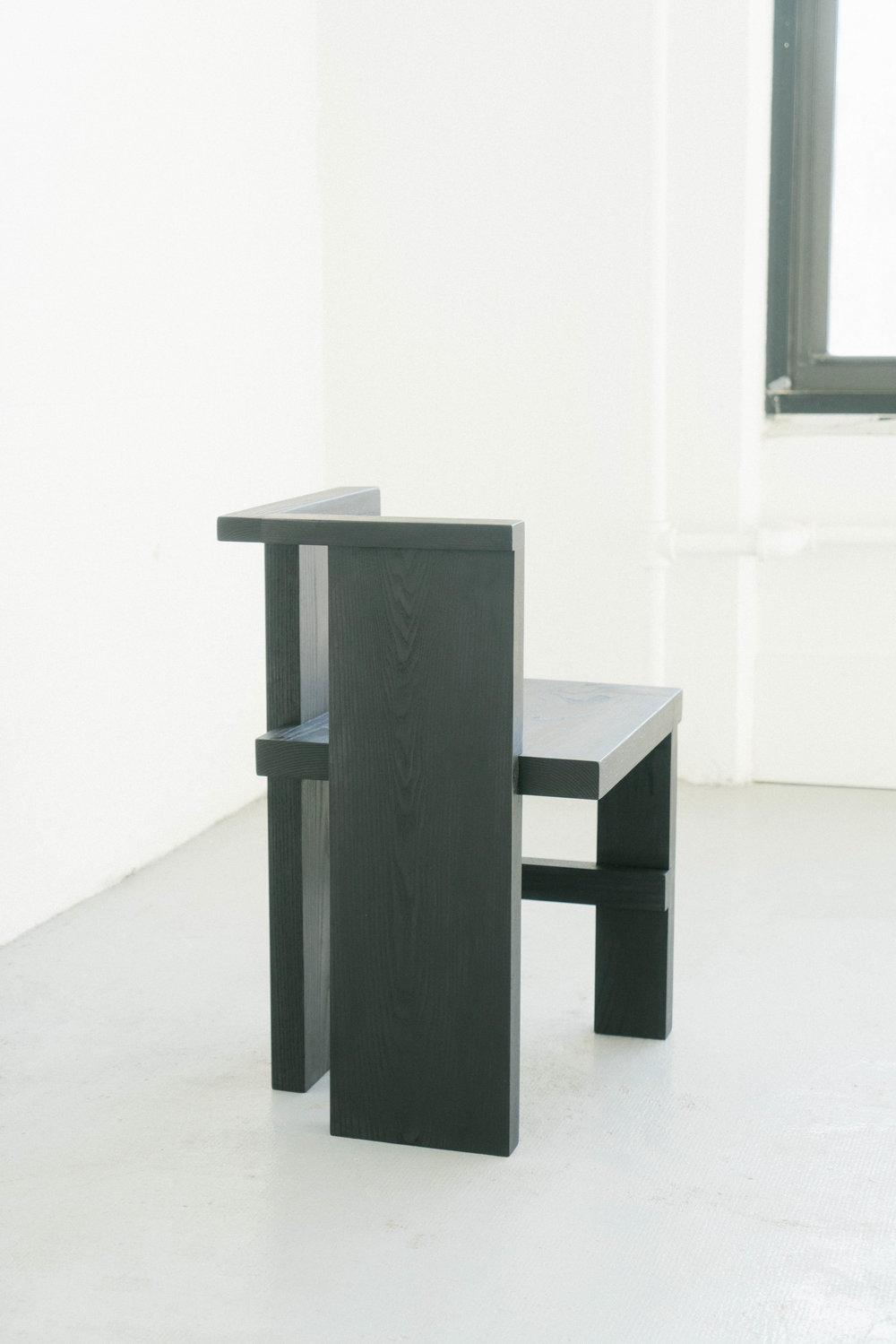 sculpturalchair8_s.jpg