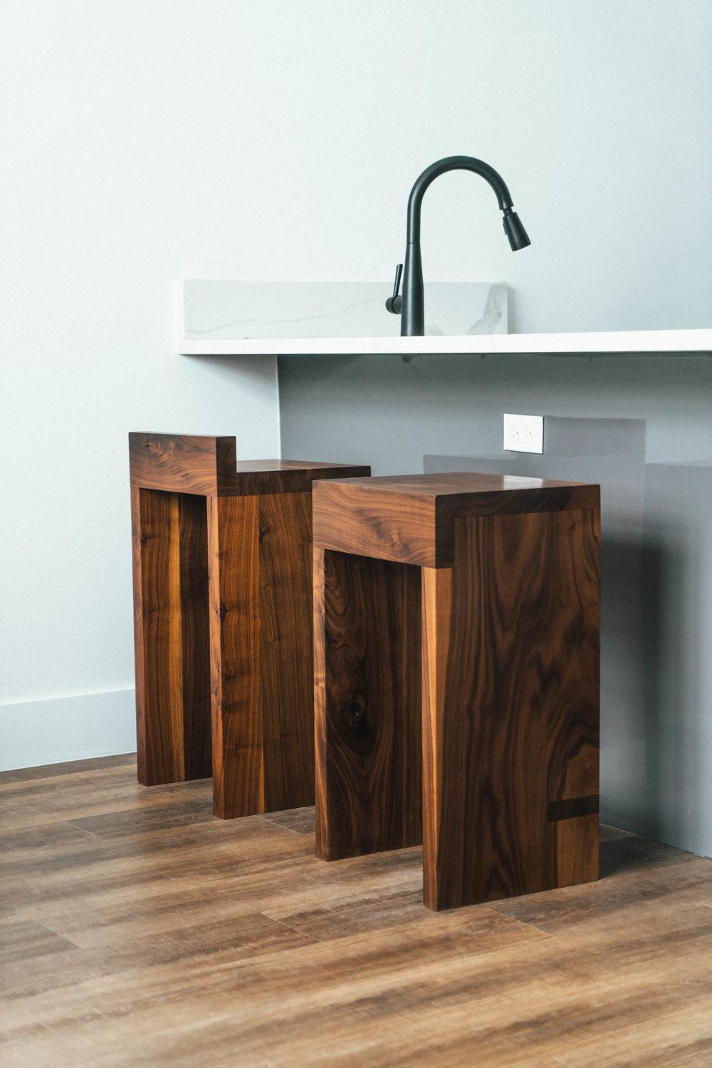 stools1-s.jpg
