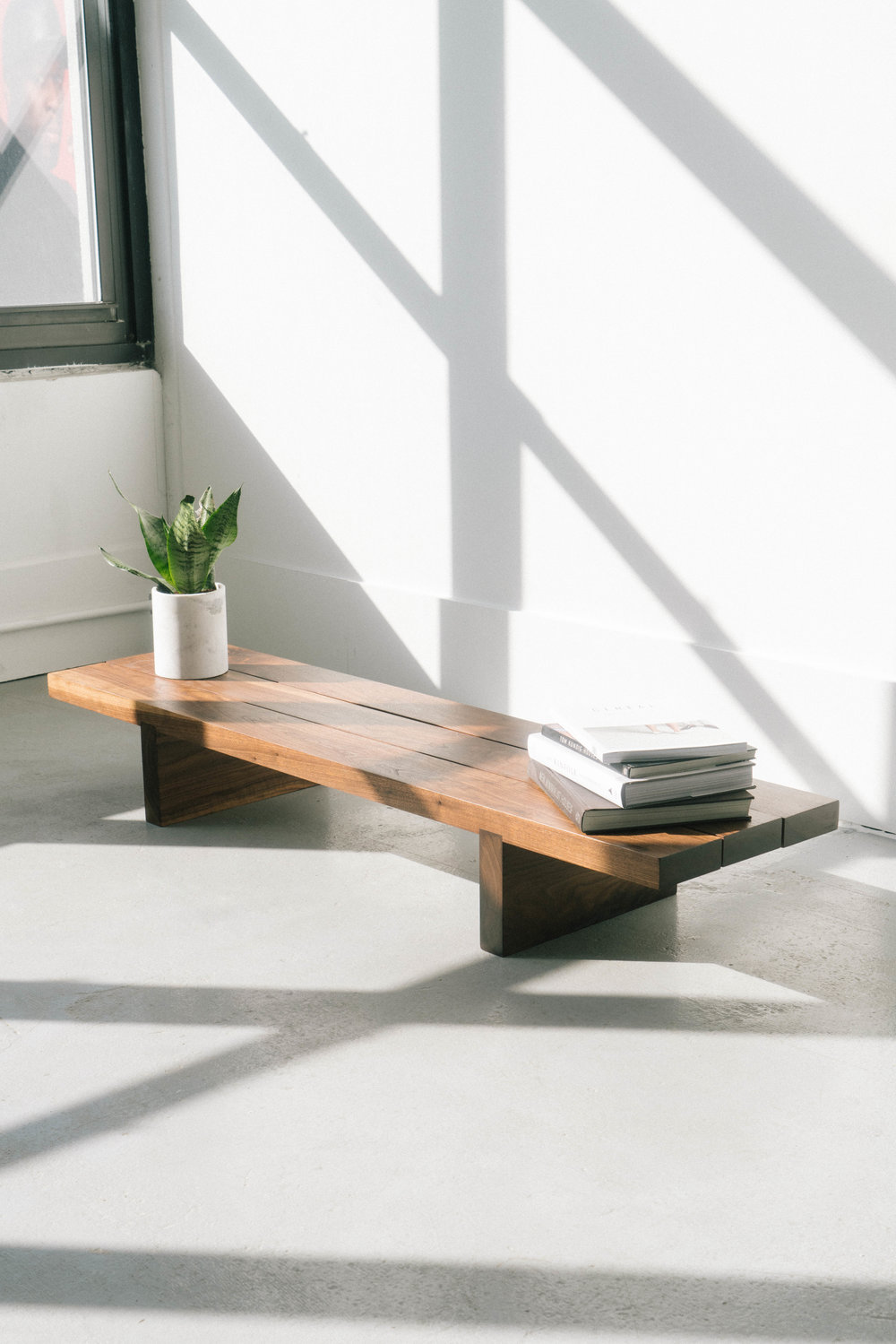 lowbench_walnut2_s.jpg