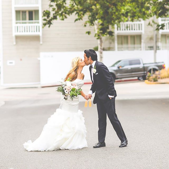 These two... stopping traffic with @wind_productions #santamonicawedding #santamonicabeach #casadelmarwedding #shuttersonthebeach #showstopper #trafficstoppers #malibuweddingplanner #santamonicaflorist