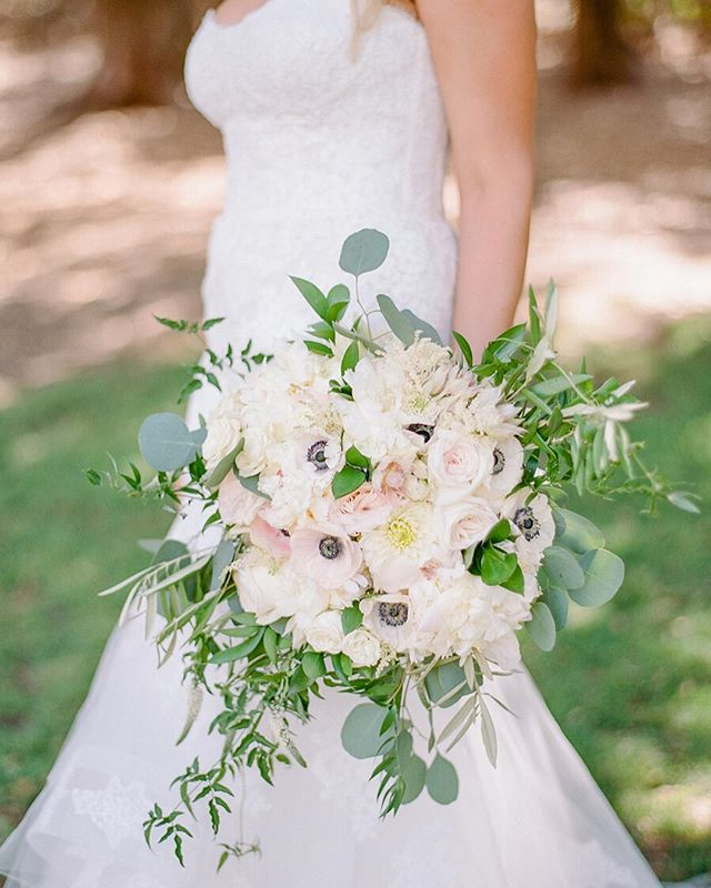 Spring forward! #anemone #hydrangea #roses #beautifulbouquet #malibuweddings
