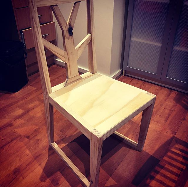 Prototype 2 for the tree dining chair done and looking pretty nice 👍🏻 time to dive in and make the final pieces. ________________ #madeinmelbourne #customfurniture #diningchairs #prototype #furnituredesign
