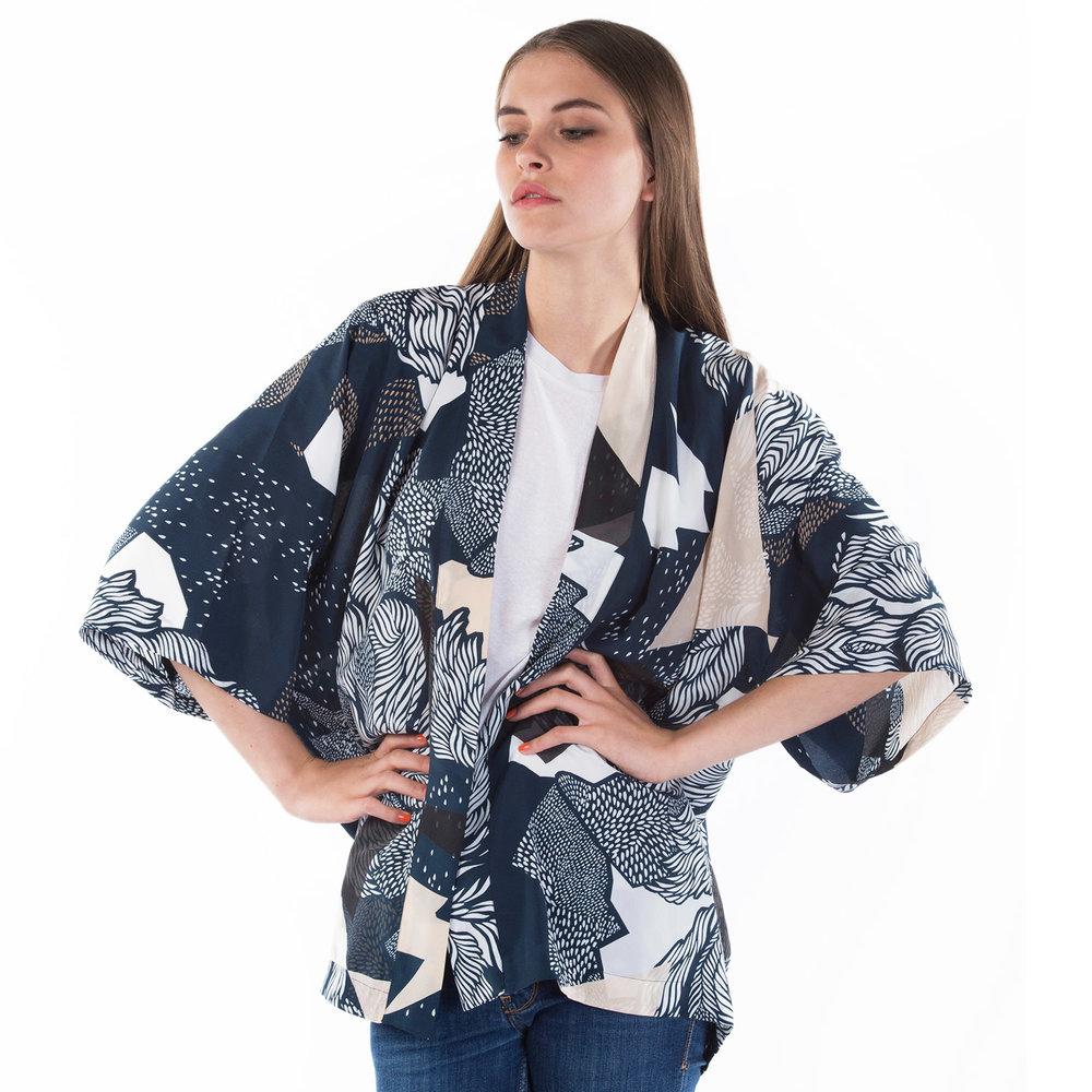 Sophie_Darling_Farrow_kimono_5.jpg