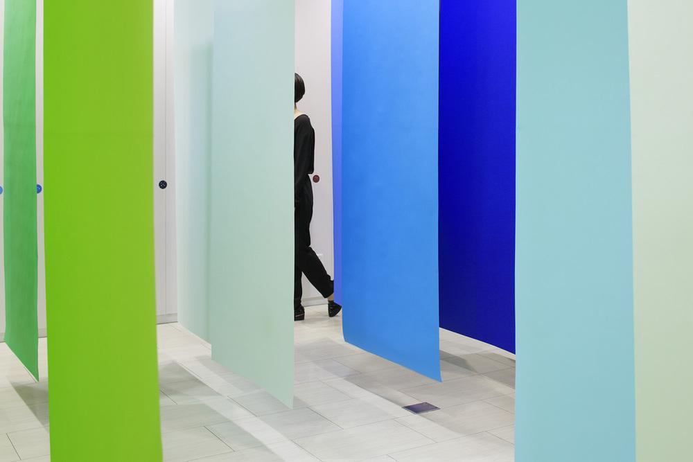 6_emmanuelle_moureaux_100_colors_7.jpg