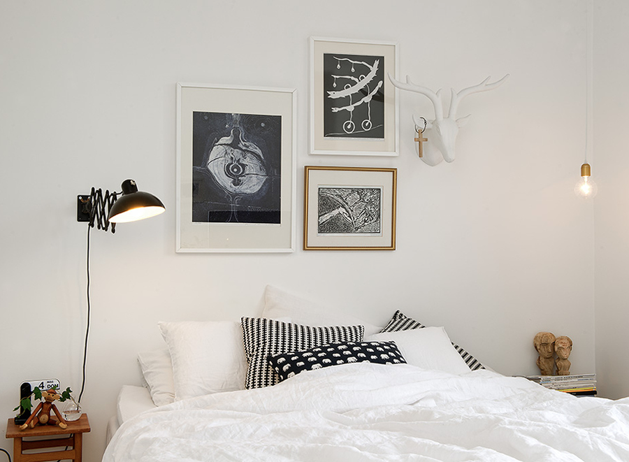 soffa_magazine_use_bed_withouth_headboard.png