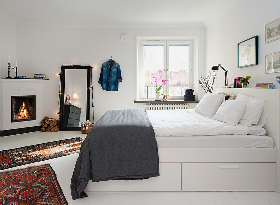 soffa_magazine_small_bedroom_mirror.png