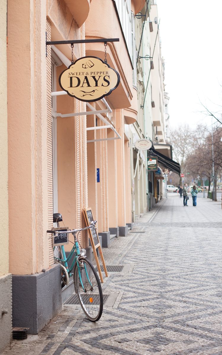 soffa_magazine_bike_and_days_bistro.png