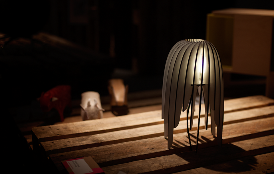 soffa_magazine_staged_dresden_lamp.png
