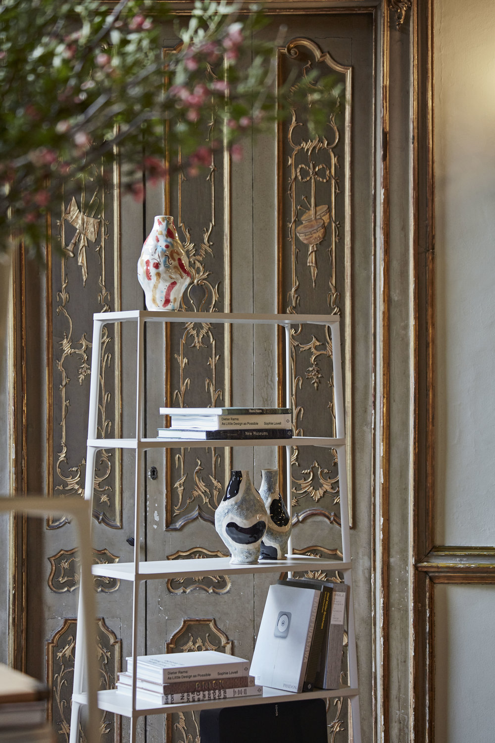 Hay was on display in the Palazzo Clerici. The Baroque interior of the Milanese palace and the soft spring light suited the young Danish brand nicely.