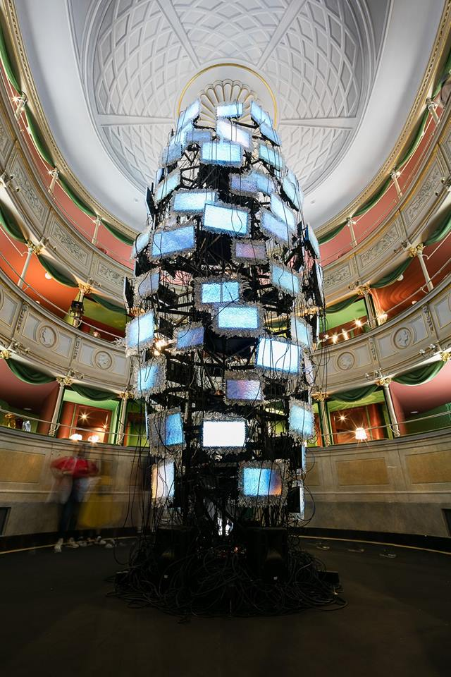The Independant ­ – one hundred and eleven screens from crystals on a seven-meter tall totem