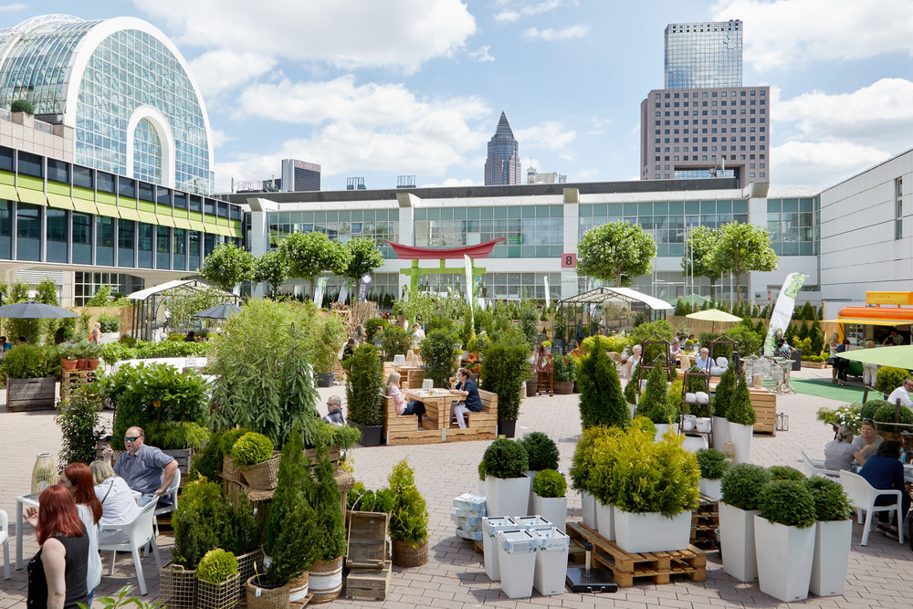 The Outdoor Living Area will offer outdoor furniture and garden plants. Photo:Messe Frankfurt Exhibition GmbH / Jean-Luc Valentin