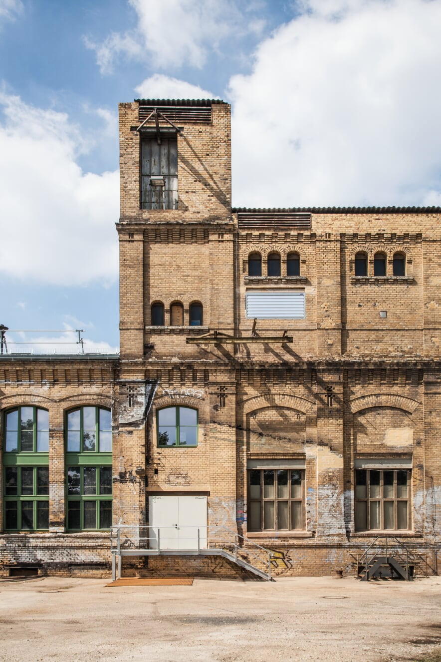 Kunstkraftwerk is an obvious stop on a journey to discover Leipzig's local art scene. The industrial site of a former power station is an excellent venue for world-class experimental exhibitions and installations and for all sorts of exciting events.
