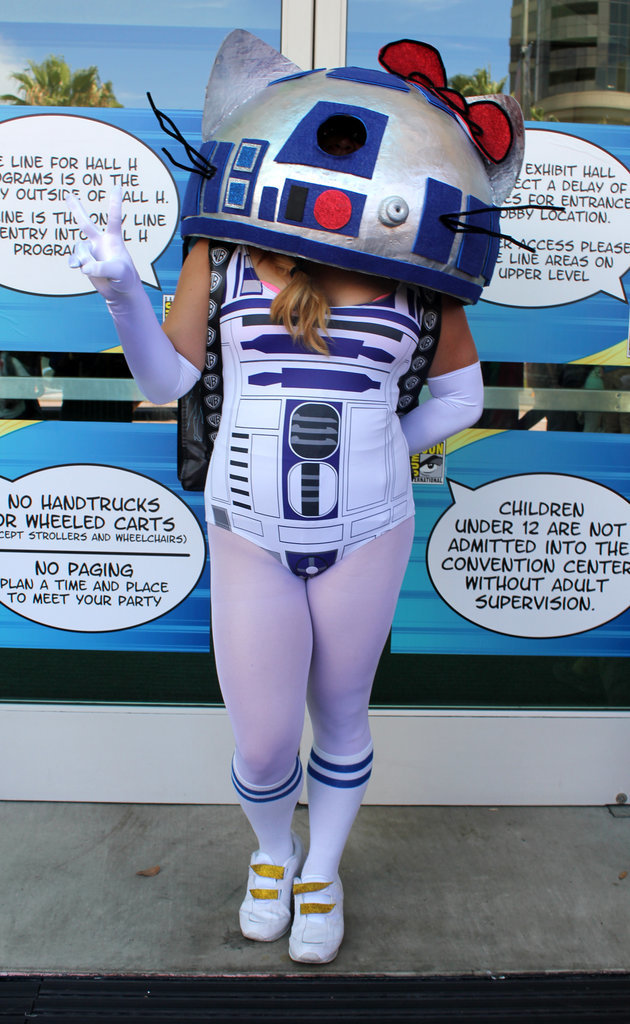 Hello Kitty/R2-D2