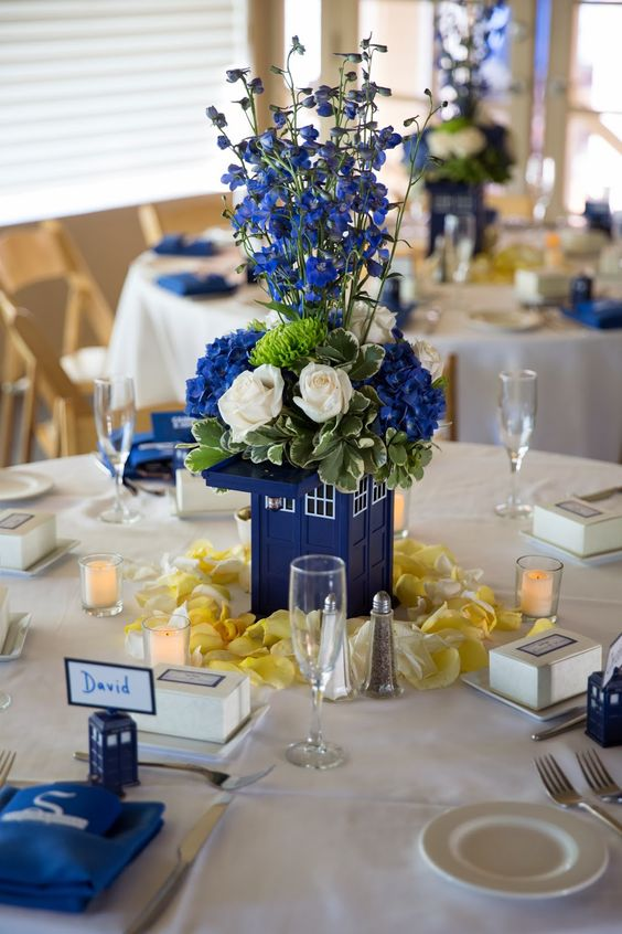 Photo source:  Doctor Who Wedding Ideas Blog
