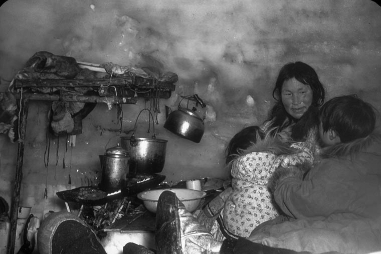 InuitIglooCooking.jpg