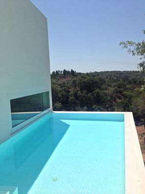 commercial white canada pool coating portugal.jpg